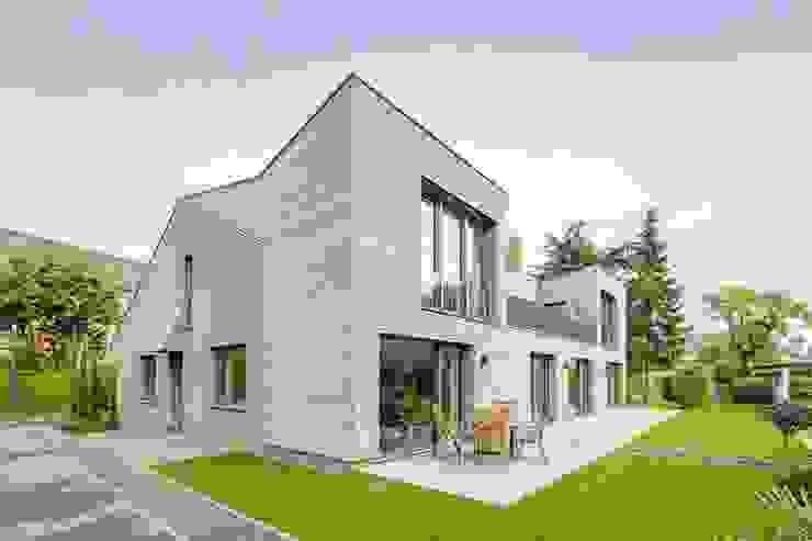 Kerzenmanufaktur Gartenseite Moderne Häuser von ZHAC / Zweering Helmus Architektur+Consulting Modern Holz Holznachbildung