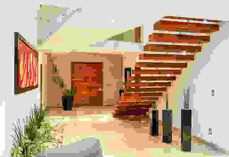 Escaleras Pasillos, vestíbulos y escaleras modernos de SANTIAGO PARDO ARQUITECTO Moderno