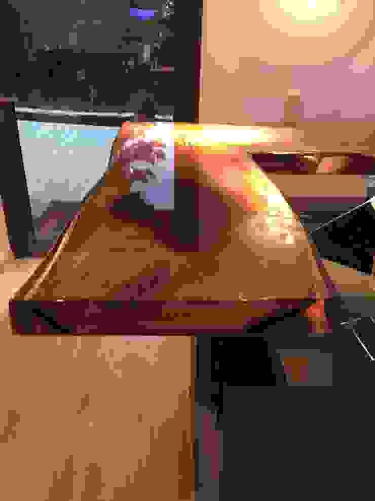 DAS ist mal ein Tisch von Design Manufaktur GmbH Ausgefallen