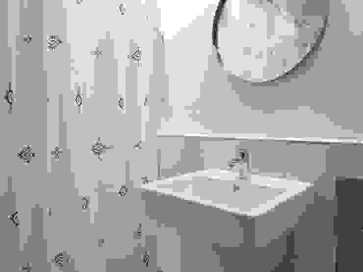 압구정 한양아파트 리모델링 모던스타일 욕실 by 달달하우스 모던