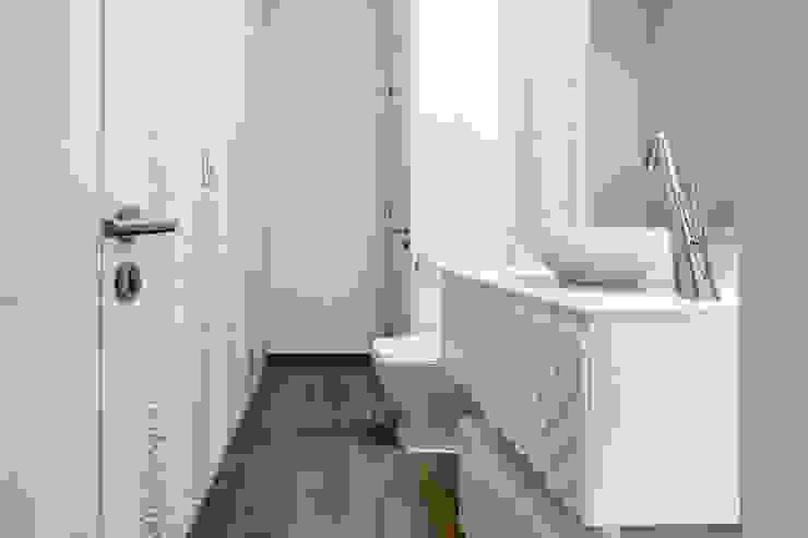 Salle de bains de style  par FOTOIMX: Fotógrafo de Inmuebles en CDMX,
