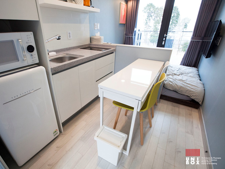 Hôtels modernes par (주)감동C&D 유니박스 Moderne
