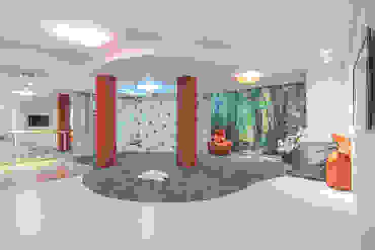 Bravo Benidorm, SL Sala multimediale moderna