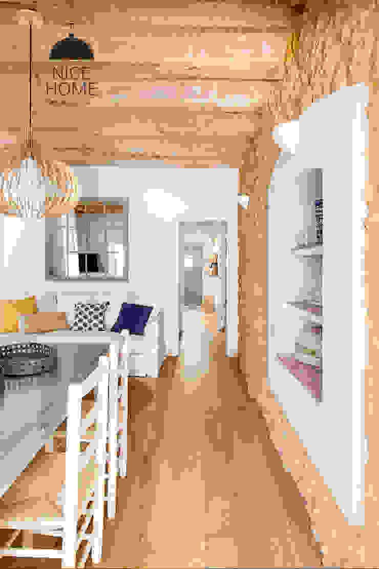 Soggiorno in stile mediterraneo di Nice home barcelona Mediterraneo