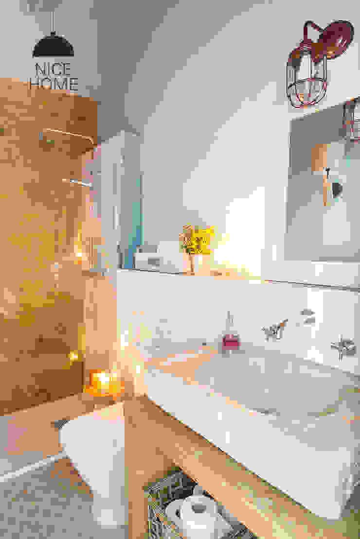 Bagno in stile mediterraneo di Nice home barcelona Mediterraneo