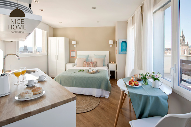 Ruang Keluarga Gaya Mediteran Oleh Nice home barcelona Mediteran