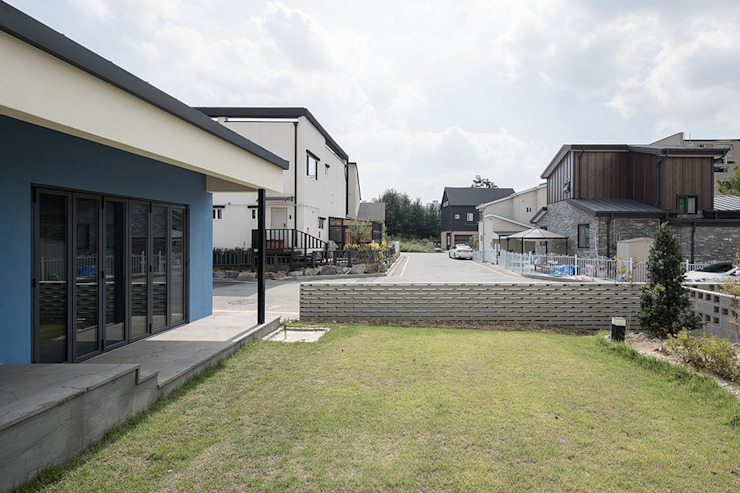 Modern garden by 소하 건축사사무소 SoHAA Modern