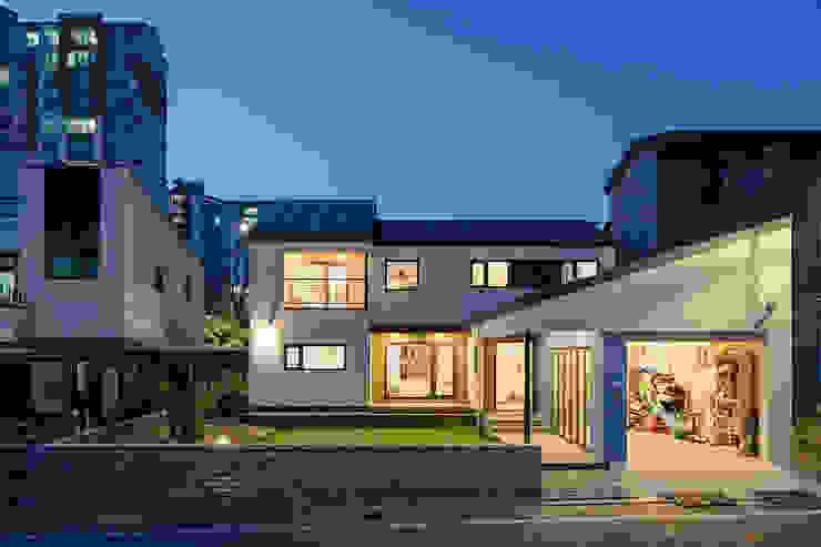 진월재 모던스타일 주택 by 소하 건축사사무소 SoHAA 모던
