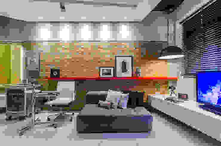 商業空間 by okha arquitetura e design, 現代風 磚塊