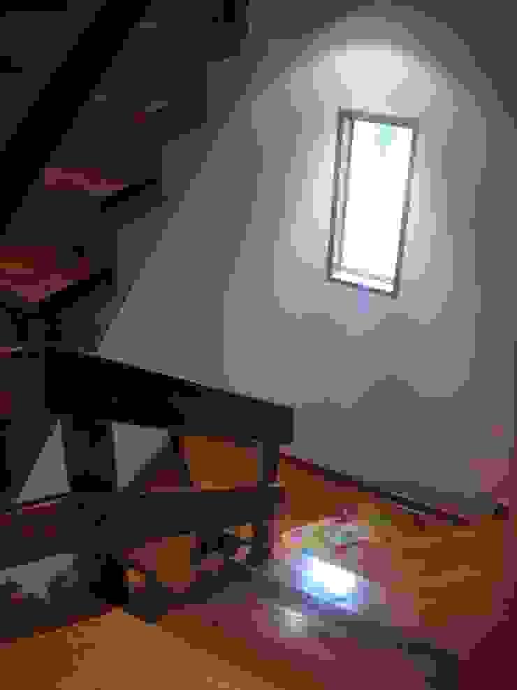 Casa D Santiago de Surco Arquitotal SAC Couloir, entrée, escaliers modernes