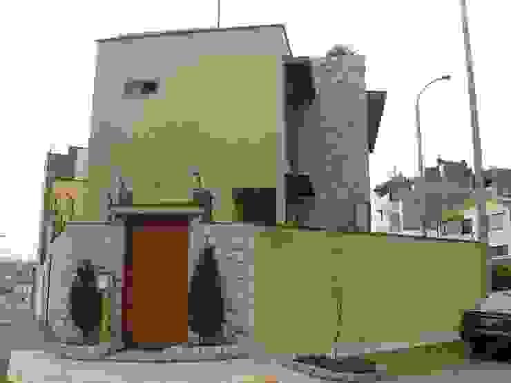 Casa D Santiago de Surco Arquitotal SAC Maisons modernes