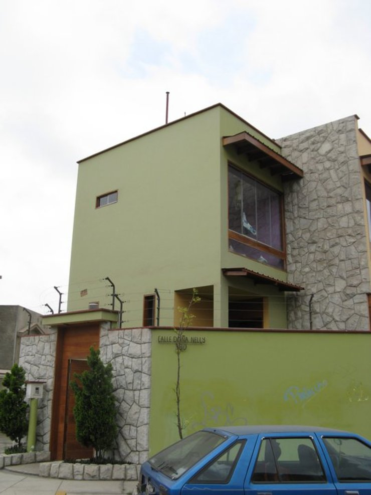 Casa D Santiago de Surco Rumah Modern Oleh Arquitotal SAC Modern