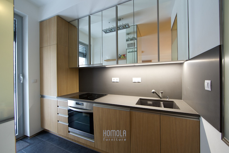 現代廚房設計點子、靈感&圖片 根據 Homola furniture s.r.o 現代風