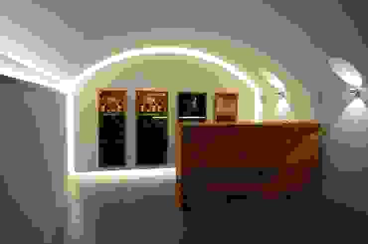 Holzmanufaktur Stuttgart Wine cellar Solid Wood