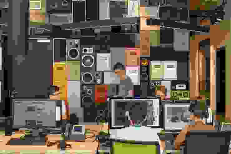 Radio Bremen NEXT by RAUMINRAUM Moderne Bürogebäude von rauminraum Modern