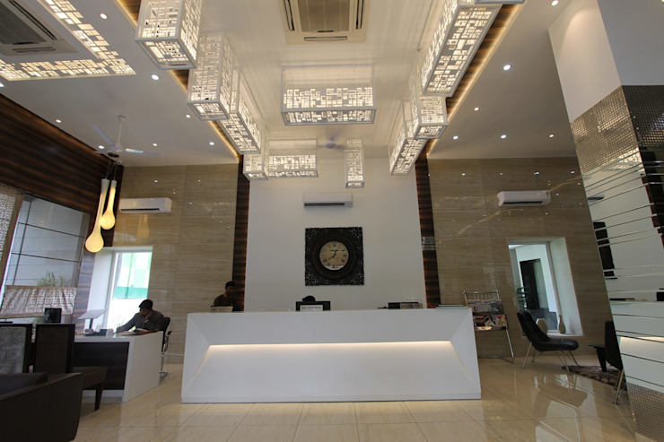 Jhansi Hotel Modern hotels by Conarch Architects Modern