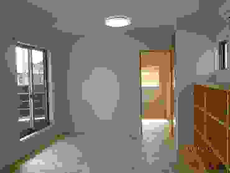 よしだみわこ建築設計事務所 Modern style bedroom