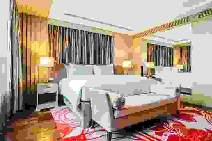 Elegant Hotel:country  oleh Bakti Architect, Country Bahan Sintetis Brown