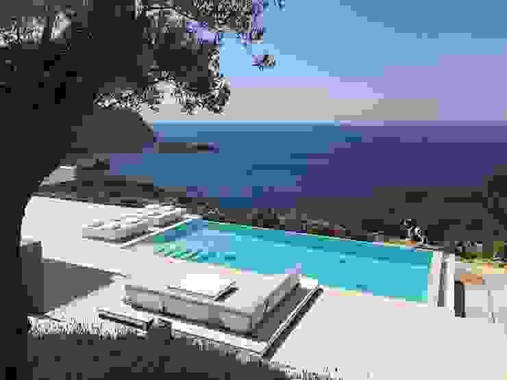 Private residence in Ibiza, Spain por GlammFire Eclético