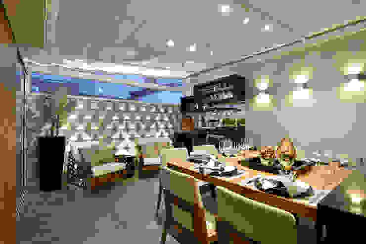 Salle à manger moderne par Guaraúna Revestimentos Moderne
