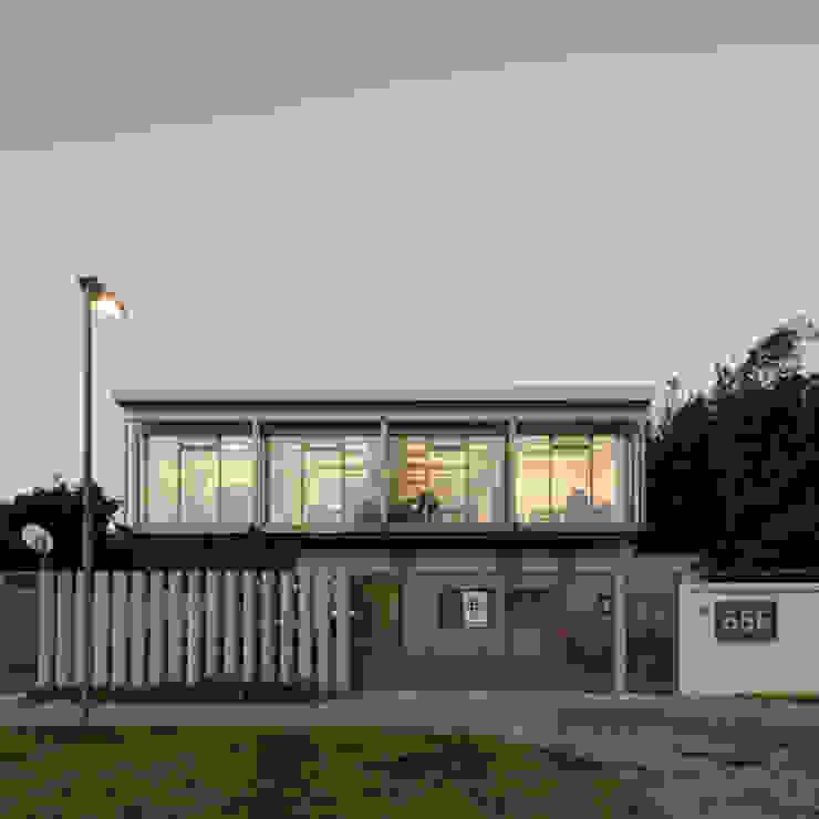 Oficina Bschneider de Bschneider Arquitectos e Ingenieros Moderno