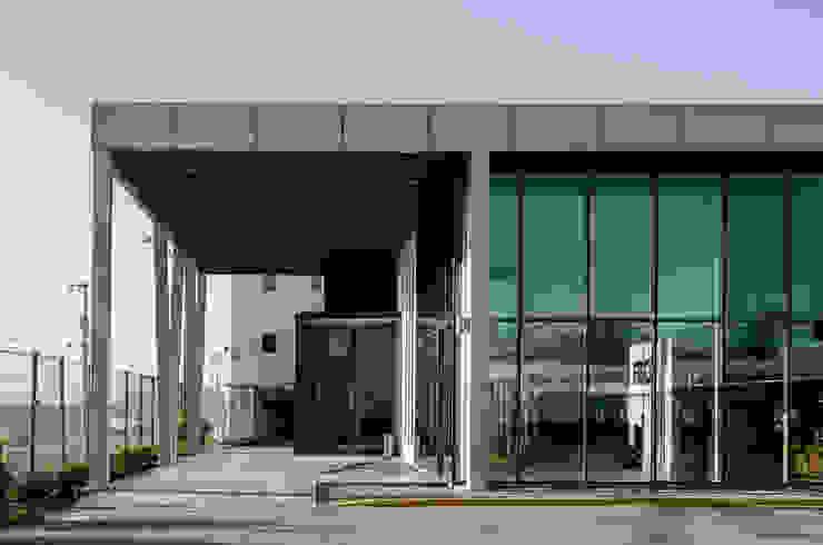 Aerocardal FBO de Bschneider Arquitectos e Ingenieros Industrial