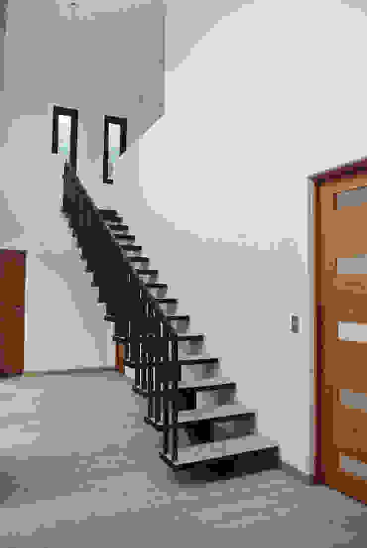 Casa La Reserva Livings de estilo minimalista de AtelierStudio Minimalista