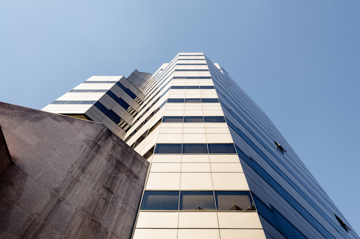 by Bschneider Arquitectos e Ingenieros Modern