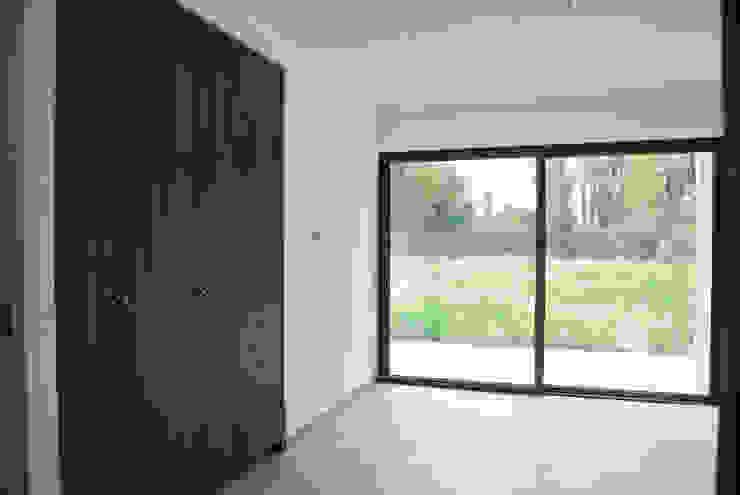 Casa El Algarrobal Dormitorios de estilo minimalista de AtelierStudio Minimalista
