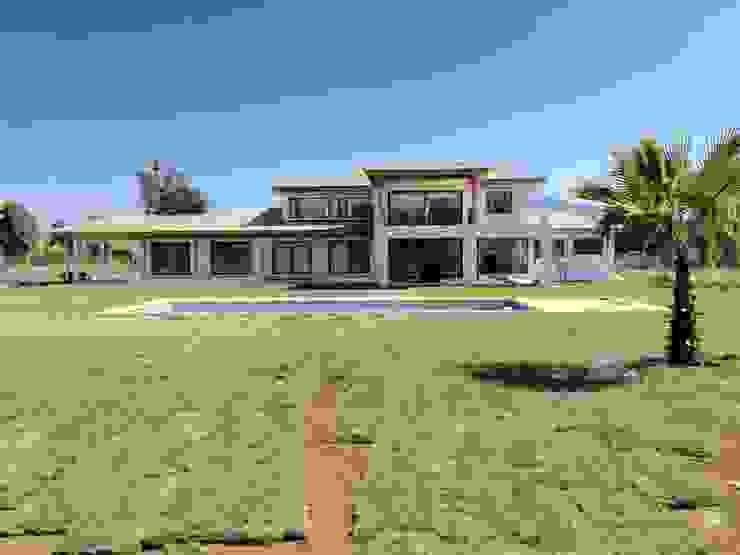 Casa Don Ladislao Casas de estilo colonial de AtelierStudio Colonial