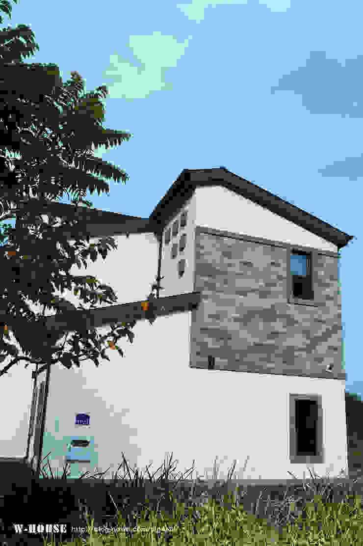 오창 50평형 ALC전원주택 모던스타일 주택 by W-HOUSE 모던 석회암
