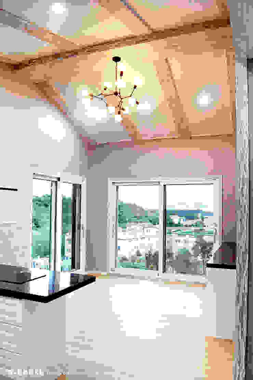 오창 50평형 ALC전원주택 스칸디나비아 거실 by W-HOUSE 북유럽 솔리드 우드 멀티 컬러