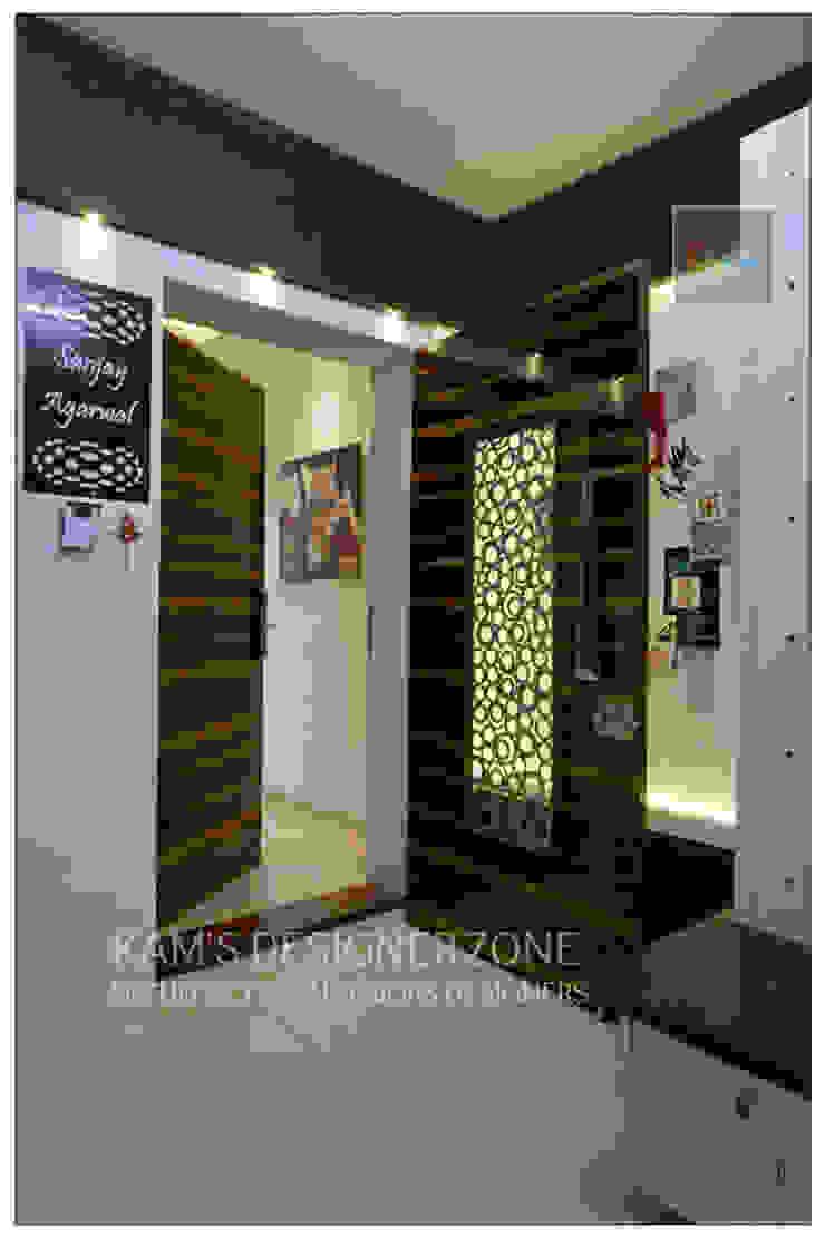 Entrance Interior of Mr. Sanjay Agarwal Modern corridor, hallway & stairs by KAM'S DESIGNER ZONE Modern