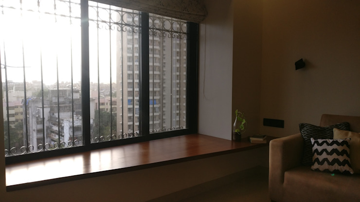 Mahim Residence got a blue touch Scandinavian style living room by Olive Roof Scandinavian