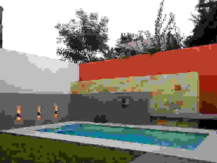 Piscinas Exclusivas: Piletas de estilo  por D'ODORICO ARQUITECTURA,Moderno