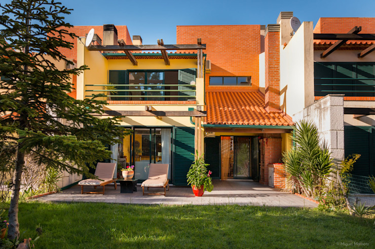 Modern home by Miguel Marnoto - Fotografia Modern