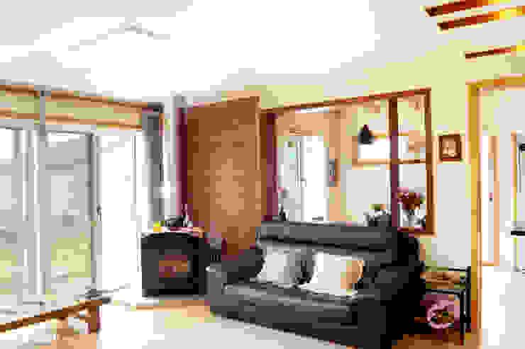 Scandinavian style living room by W-HOUSE Scandinavian Limestone