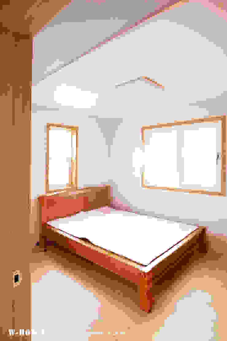 청원3호 팔봉리 45평형 ALC복층주택 스칸디나비아 미디어 룸 by W-HOUSE 북유럽 석회암