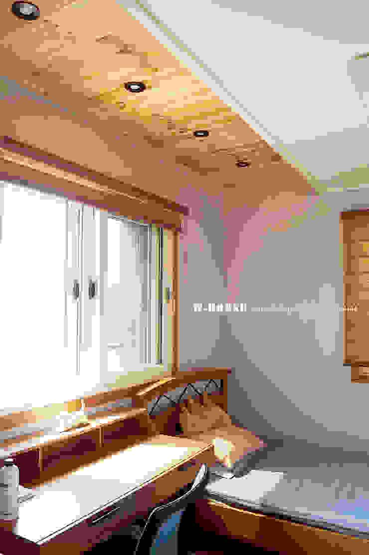 청원3호 팔봉리 45평형 ALC복층주택 모던스타일 미디어 룸 by W-HOUSE 모던 솔리드 우드 멀티 컬러
