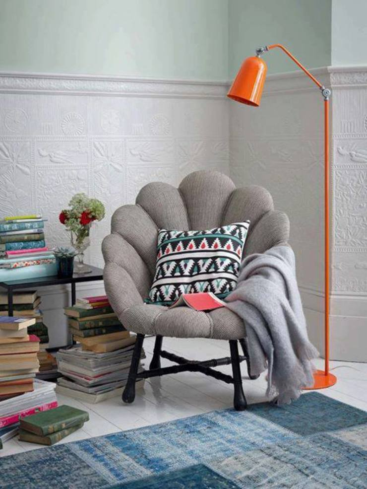 Cozy Reading Space: modern  by Spacio Collections,Modern Textile Amber/Gold
