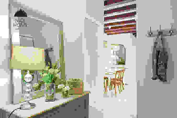 Proyecto Ramblas Pasillos, vestíbulos y escaleras de estilo mediterráneo de Nice home barcelona Mediterráneo