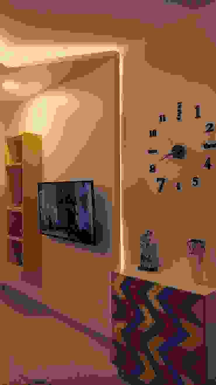 Residence in Mumbai Minimalist living room by Olive Roof Minimalist