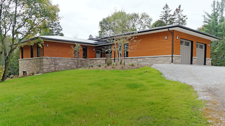 Credit River Valley House - Exterior Country style houses by Solares Architecture Country