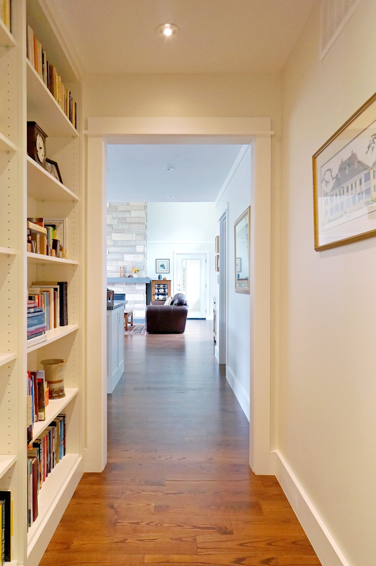Credit River Valley House - Hallway Country style corridor, hallway& stairs by Solares Architecture Country
