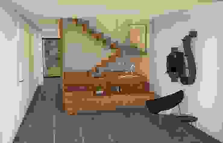 Modern corridor, hallway & stairs by NUÑO ARQUITECTURA Modern Wood Wood effect