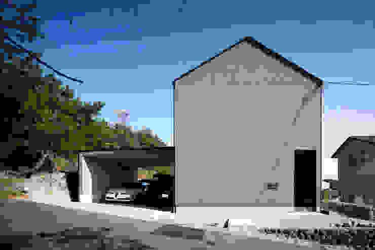 外観 川添純一郎建築設計事務所 一戸建て住宅 灰色