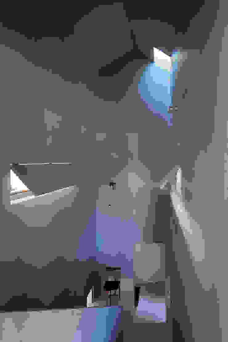 階段ホール 川添純一郎建築設計事務所 モダンスタイルの 玄関&廊下&階段 灰色