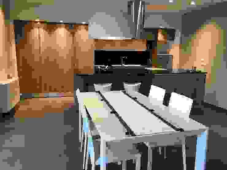 SUPER BLOC SRL Modern Kitchen