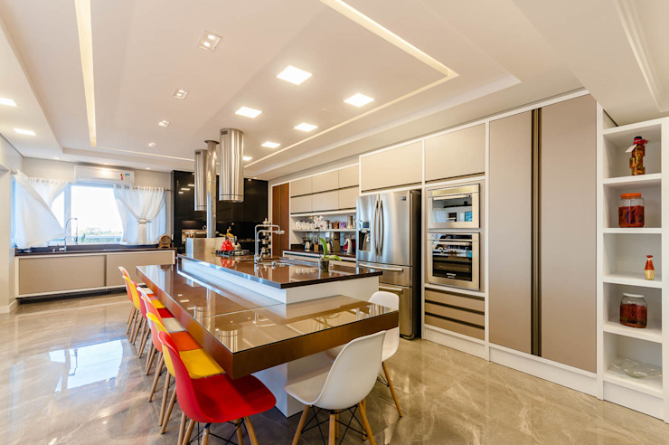 Kitchen units by RHAJA ARQUITETURA,