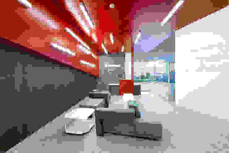 Tp Puebla Salones modernos de IAARQ (Ibarra Aragón Arquitectura SC) Moderno